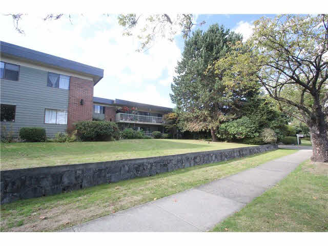 "Photo 14: 230 2600 E 49TH Avenue in Vancouver: Killarney VE Condo for sale in ""SOUTHWINDS"" (Vancouver East)  : MLS(r) # V1142303"