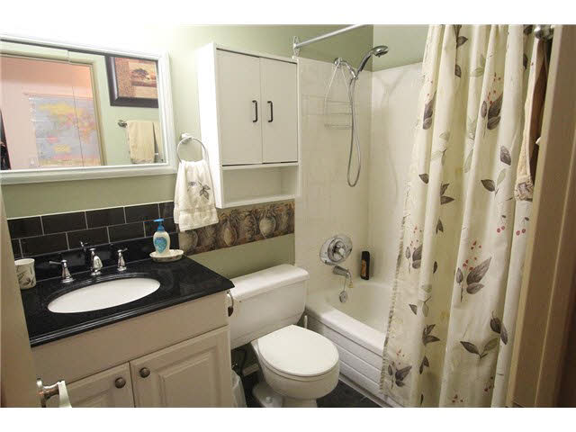"Photo 12: 230 2600 E 49TH Avenue in Vancouver: Killarney VE Condo for sale in ""SOUTHWINDS"" (Vancouver East)  : MLS(r) # V1142303"