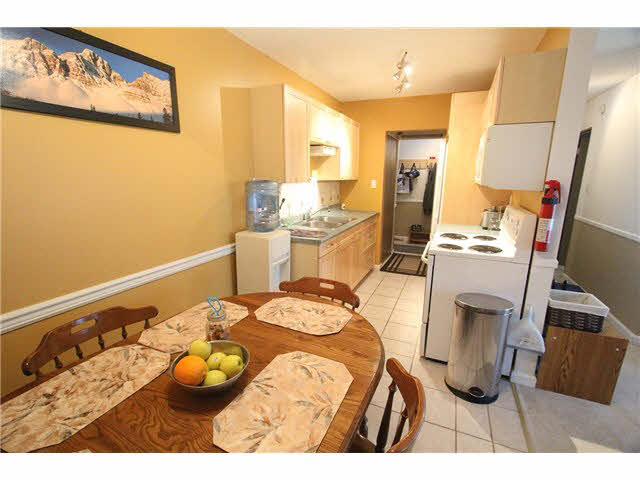 "Photo 7: 230 2600 E 49TH Avenue in Vancouver: Killarney VE Condo for sale in ""SOUTHWINDS"" (Vancouver East)  : MLS(r) # V1142303"