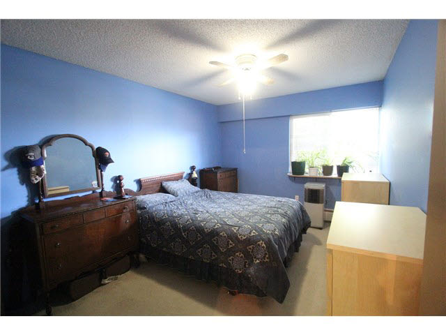 "Photo 10: 230 2600 E 49TH Avenue in Vancouver: Killarney VE Condo for sale in ""SOUTHWINDS"" (Vancouver East)  : MLS(r) # V1142303"