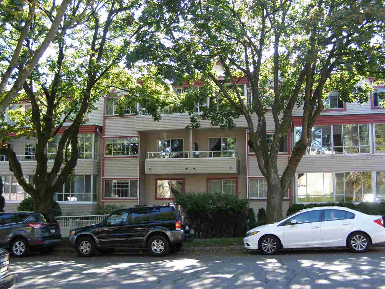 "Main Photo: 303 1386 W 73RD Avenue in Vancouver: Marpole Condo for sale in ""PARKSIDE"" (Vancouver West)  : MLS(r) # R2002211"