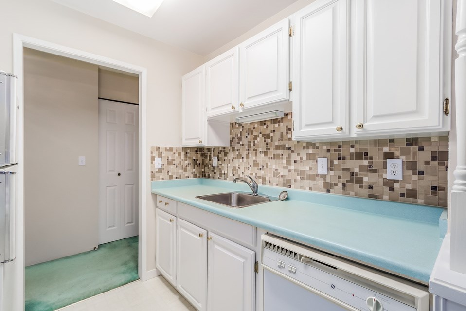 "Photo 8: 506 1405 W 15TH Avenue in Vancouver: Fairview VW Condo for sale in ""LANDMARK GRAND"" (Vancouver West)  : MLS(r) # R2020276"