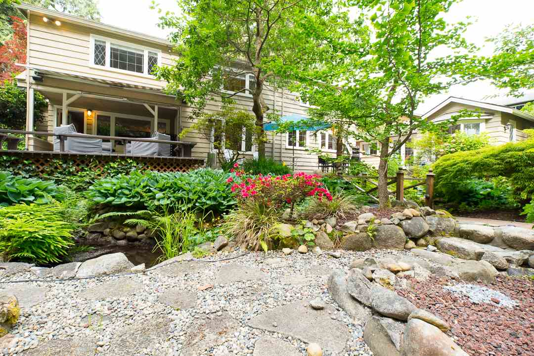 Photo 3: 1388 TERRACE Avenue in North Vancouver: Capilano NV House for sale : MLS(r) # R2074641