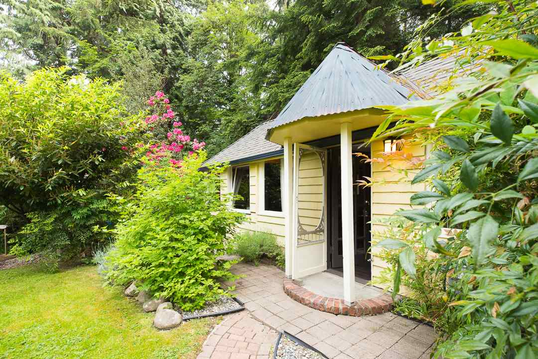 Photo 19: 1388 TERRACE Avenue in North Vancouver: Capilano NV House for sale : MLS(r) # R2074641