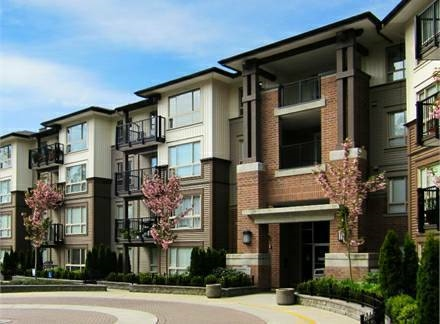 "Main Photo: 305 11665 HANEY Bypass in Maple Ridge: West Central Condo for sale in ""Haney's Landing"" : MLS®# R2100153"
