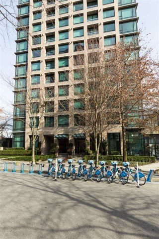 "Main Photo: 202 1003 BURNABY Street in Vancouver: West End VW Condo for sale in ""MILANO"" (Vancouver West)  : MLS(r) # R2144820"