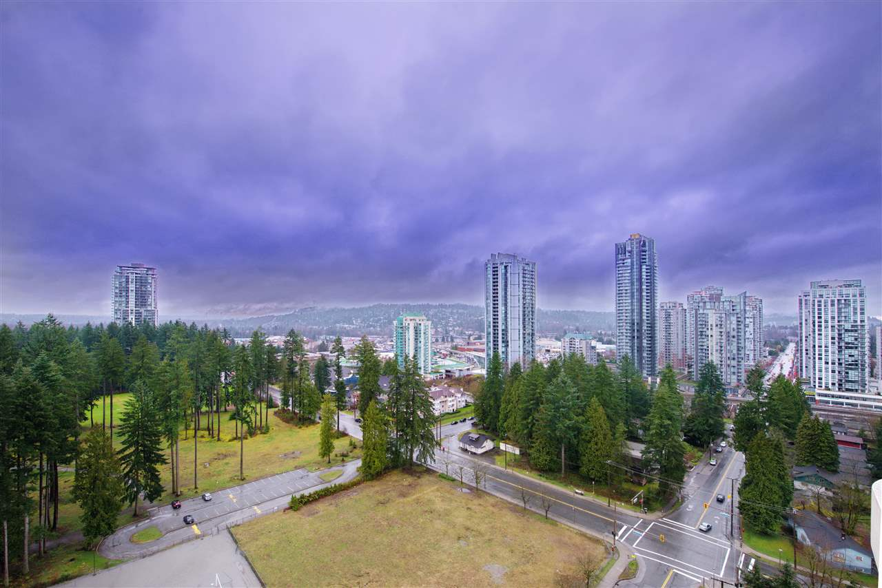 "Photo 10: 2003 3071 GLEN Drive in Coquitlam: North Coquitlam Condo for sale in ""PARC LAURANT"" : MLS® # R2153456"