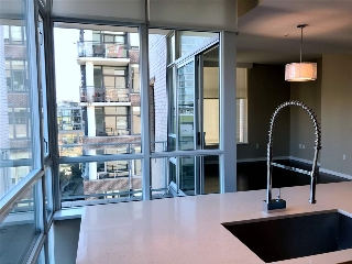 "Main Photo: 503 1616 COLUMBIA Street in Vancouver: False Creek Condo for sale in ""BRIDGE AT THE OLYMPIC VILLAGE"" (Vancouver West)  : MLS(r) # R2156120"