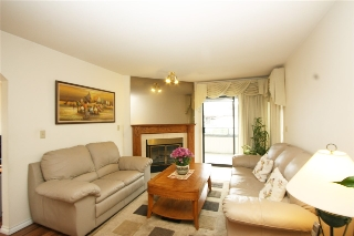 Main Photo: 238 15153 98 AVENUE in Surrey: Guildford Condo for sale (North Surrey)  : MLS(r) # R2156138