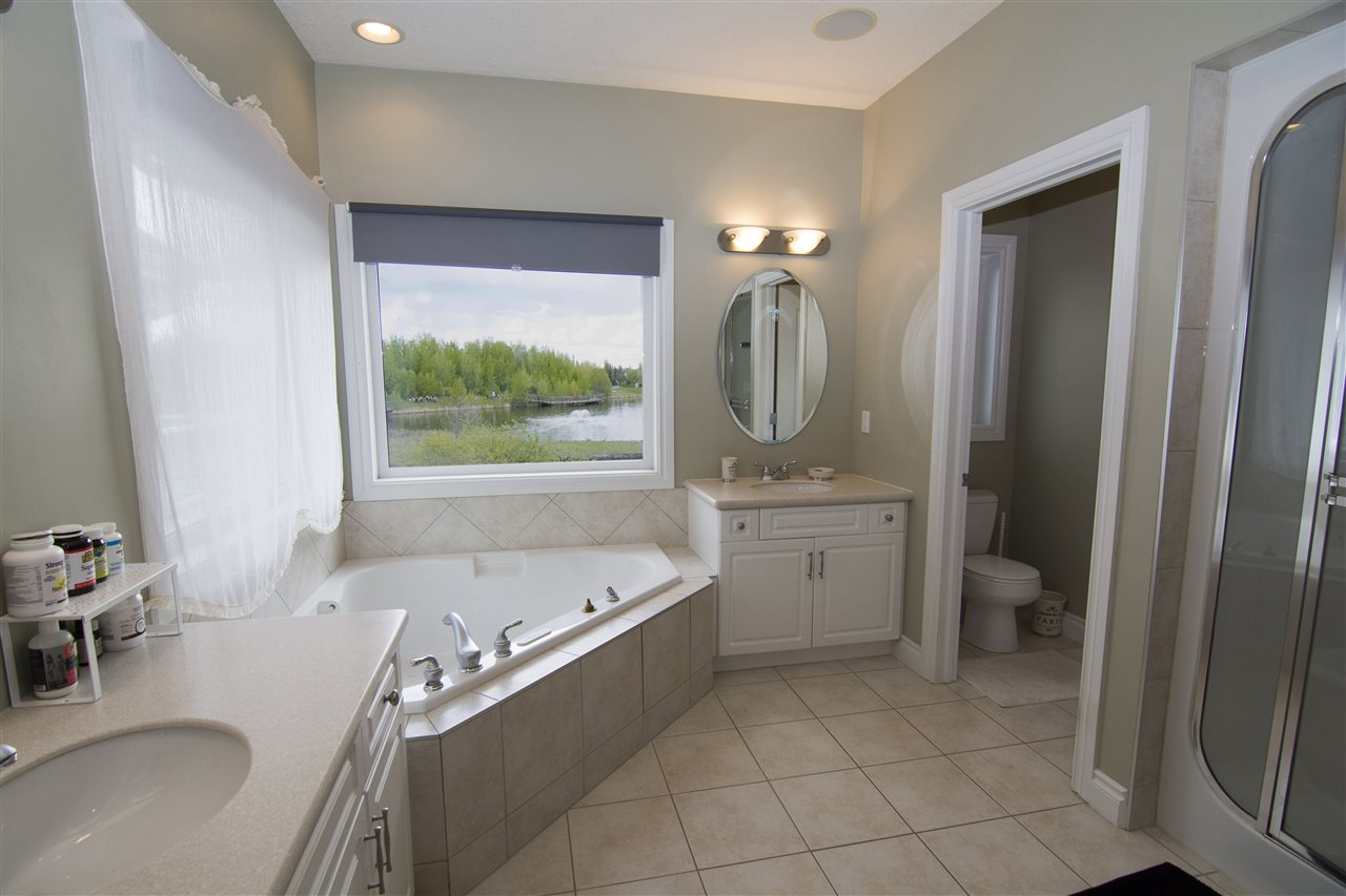 5 Piece Ensuite with Walk-in Closet