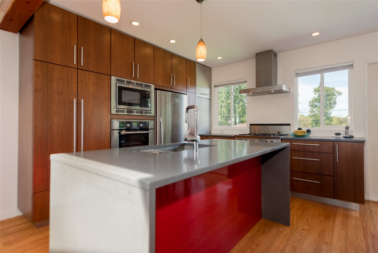 Photo 2: 3221 GARDEN Drive in Vancouver: Grandview VE House for sale (Vancouver East)  : MLS(r) # R2171232