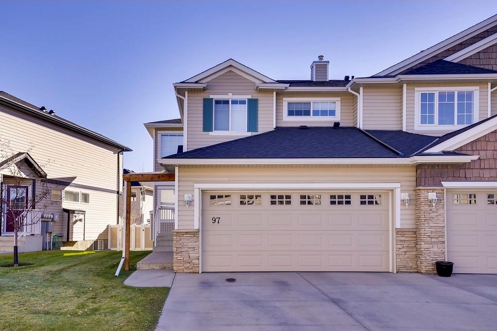 Main Photo: 97 ROYAL BIRCH Mount NW in Calgary: Royal Oak House for sale : MLS(r) # C4120017
