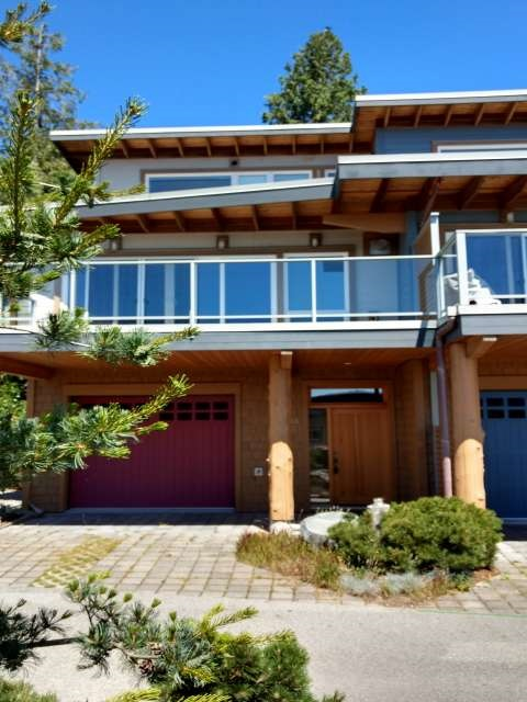 "Photo 2:  in Sechelt: Sechelt District Townhouse for sale in ""WAKEFIELD BEACH LANE - WATERFRONT"" (Sunshine Coast)  : MLS® # R2178419"