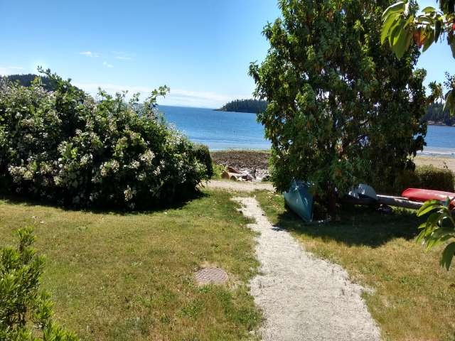 "Photo 13:  in Sechelt: Sechelt District Townhouse for sale in ""WAKEFIELD BEACH LANE - WATERFRONT"" (Sunshine Coast)  : MLS® # R2178419"