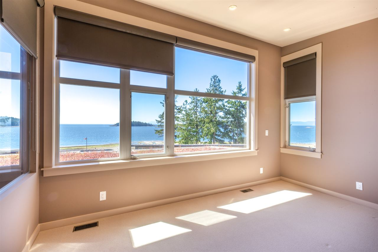"Photo 9:  in Sechelt: Sechelt District Townhouse for sale in ""WAKEFIELD BEACH LANE - WATERFRONT"" (Sunshine Coast)  : MLS® # R2178419"