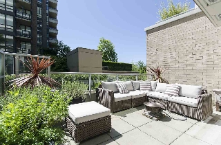 Main Photo: 103 175 W 2ND STREET in North Vancouver: Lower Lonsdale Condo for sale : MLS® # R2168764