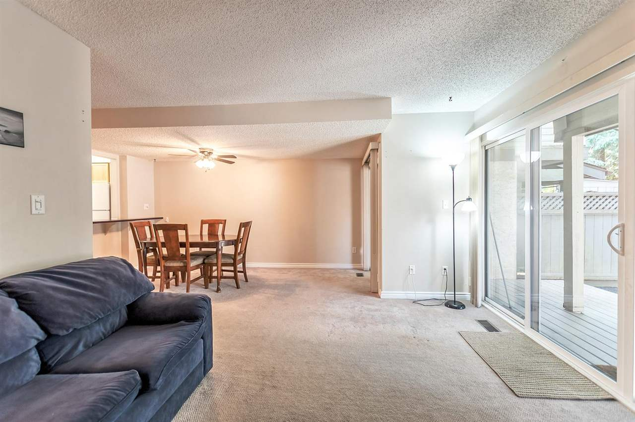 Photo 5: 25 1174 INLET Street in Coquitlam: New Horizons Townhouse for sale : MLS(r) # R2189009