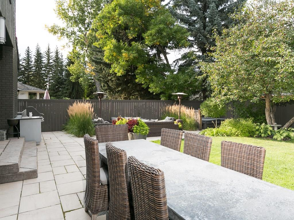 Photo 6: 2410 BAY VIEW Place SW in Calgary: Bayview House for sale : MLS® # C4137956