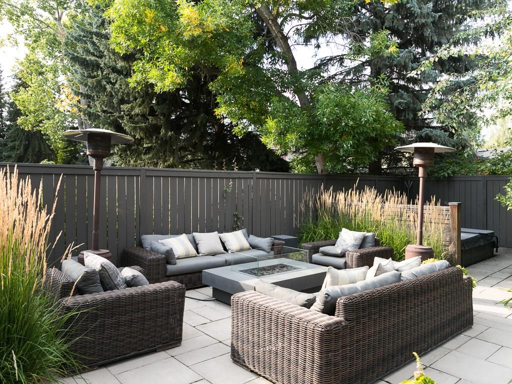 Photo 4: 2410 BAY VIEW Place SW in Calgary: Bayview House for sale : MLS® # C4137956