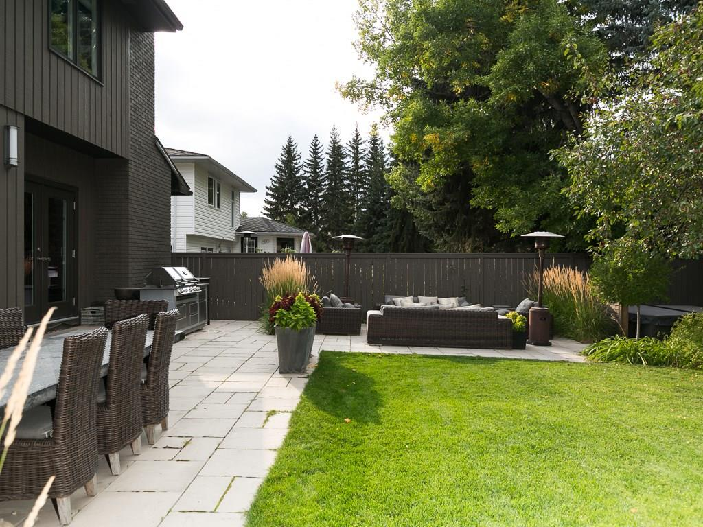 Photo 7: 2410 BAY VIEW Place SW in Calgary: Bayview House for sale : MLS® # C4137956