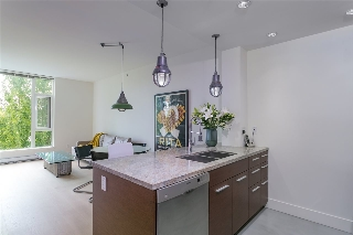 "Main Photo: 412 2528 MAPLE Street in Vancouver: Kitsilano Condo for sale in ""THE PULSE"" (Vancouver West)  : MLS® # R2208940"