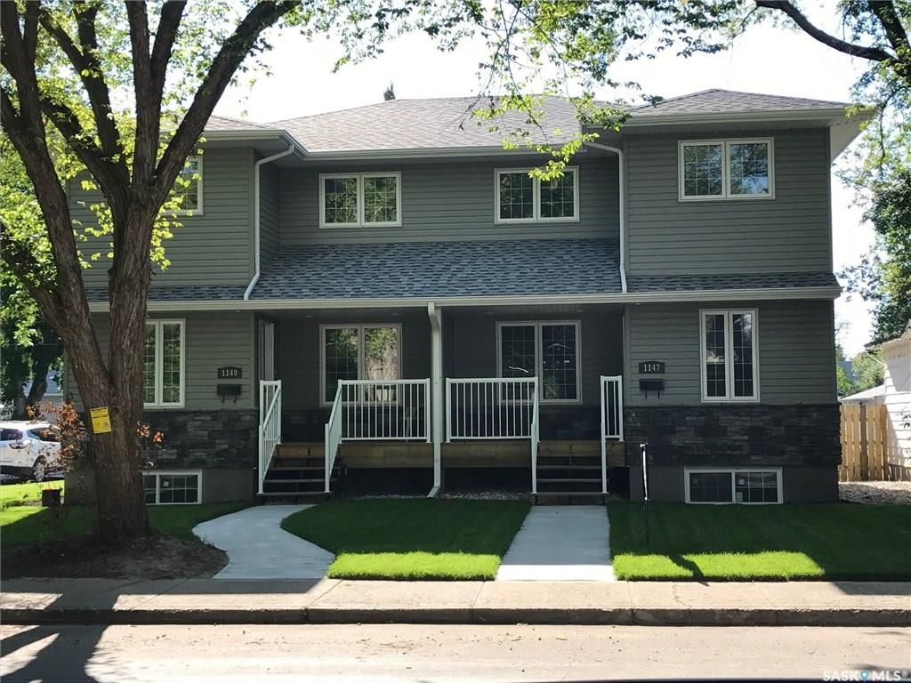 Main Photo: 1147 L Avenue South in Saskatoon: Holiday Park Residential for sale : MLS®# SK710824