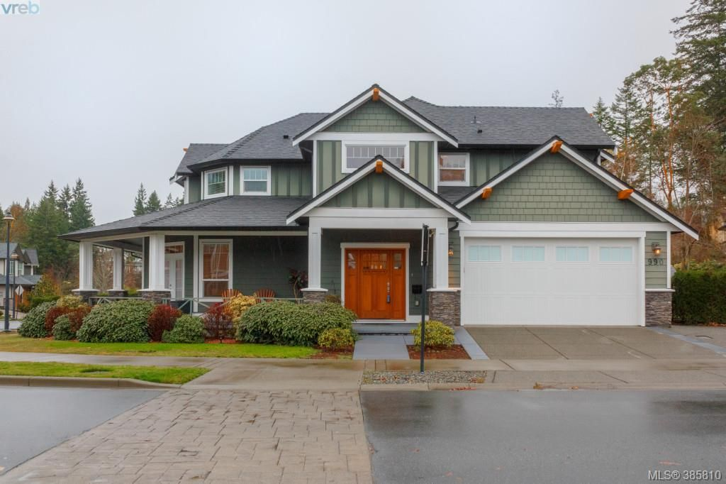 Main Photo: 990 Arngask Avenue in VICTORIA: La Bear Mountain Single Family Detached for sale (Langford)  : MLS® # 385810