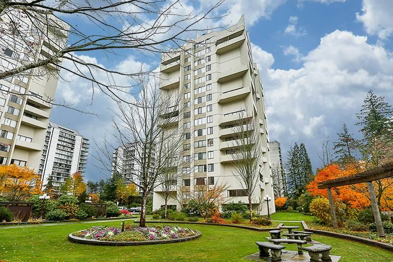 Main Photo: 1206 4105 MAYWOOD Street in Burnaby: Metrotown Condo for sale (Burnaby South)  : MLS®# R2243542