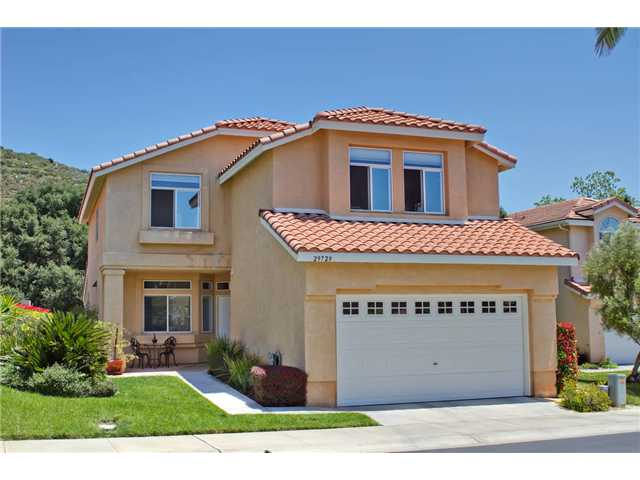Main Photo: NORTH ESCONDIDO House for sale : 4 bedrooms : 29729 NANDINA in Escondido