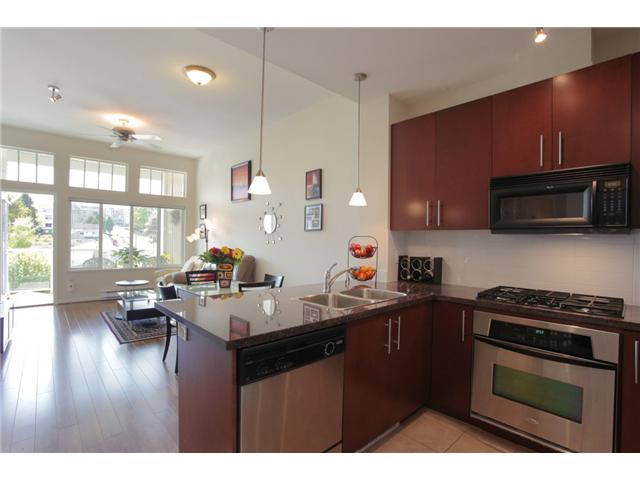 Main Photo: 417 3651 FOSTER Avenue in Vancouver: Collingwood VE Condo for sale (Vancouver East)  : MLS® # V952038