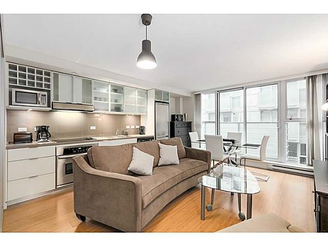 "Main Photo: 615 168 POWELL Street in Vancouver: Downtown VE Condo for sale in ""SMART"" (Vancouver East)  : MLS®# V1101030"