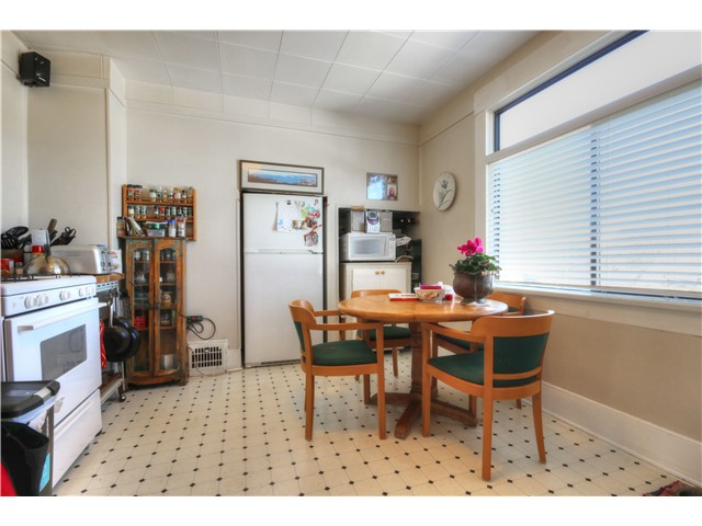 Photo 11: 1767 PARKER Street in Vancouver: Grandview VE House for sale (Vancouver East)  : MLS(r) # V1104050