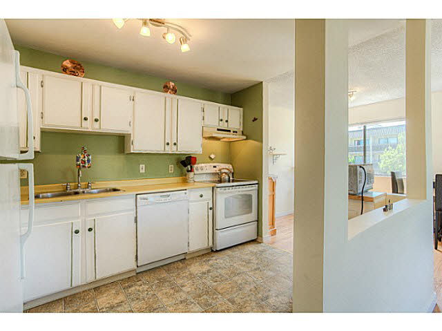 Photo 5: 204 12170 222ND Street in Maple Ridge: West Central Condo for sale : MLS(r) # V1131313