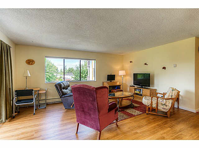 Photo 3: 204 12170 222ND Street in Maple Ridge: West Central Condo for sale : MLS(r) # V1131313