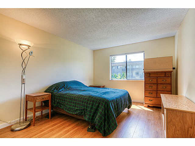 Photo 7: 204 12170 222ND Street in Maple Ridge: West Central Condo for sale : MLS(r) # V1131313