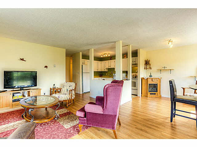 Photo 2: 204 12170 222ND Street in Maple Ridge: West Central Condo for sale : MLS(r) # V1131313