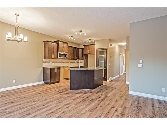 Photo 6: 25 NOLANFIELD Manor NW in Calgary: Nolan Hill House  : MLS(r) # C4041105