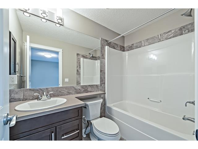 Photo 17: 25 NOLANFIELD Manor NW in Calgary: Nolan Hill House  : MLS(r) # C4041105