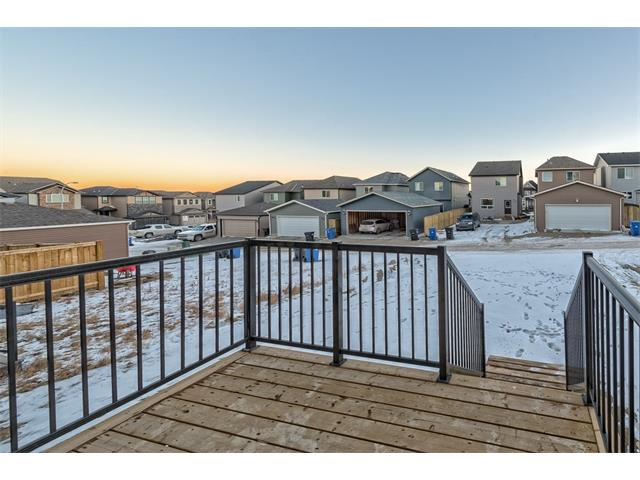Photo 12: 25 NOLANFIELD Manor NW in Calgary: Nolan Hill House  : MLS(r) # C4041105