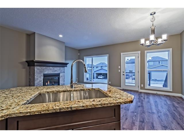 Photo 10: 25 NOLANFIELD Manor NW in Calgary: Nolan Hill House  : MLS(r) # C4041105