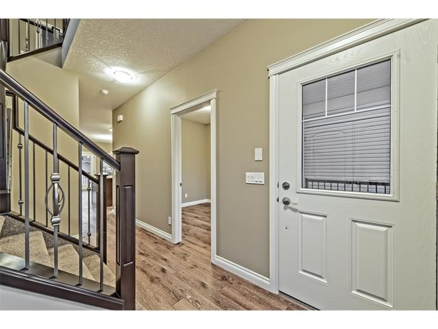 Photo 4: 25 NOLANFIELD Manor NW in Calgary: Nolan Hill House  : MLS(r) # C4041105