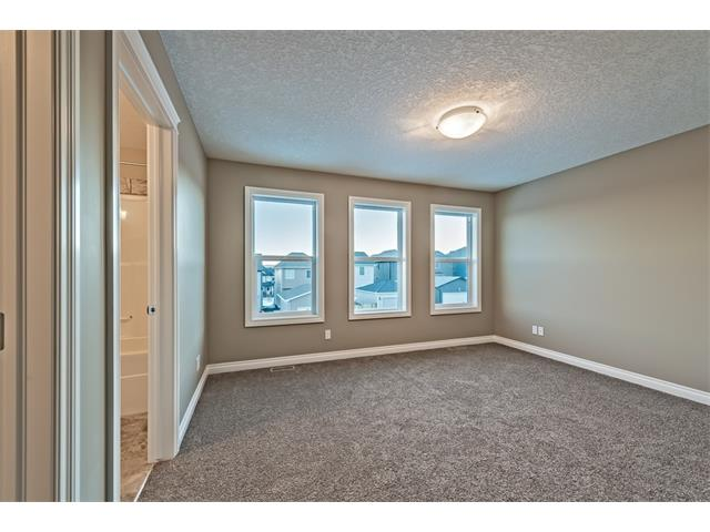 Photo 16: 25 NOLANFIELD Manor NW in Calgary: Nolan Hill House  : MLS(r) # C4041105