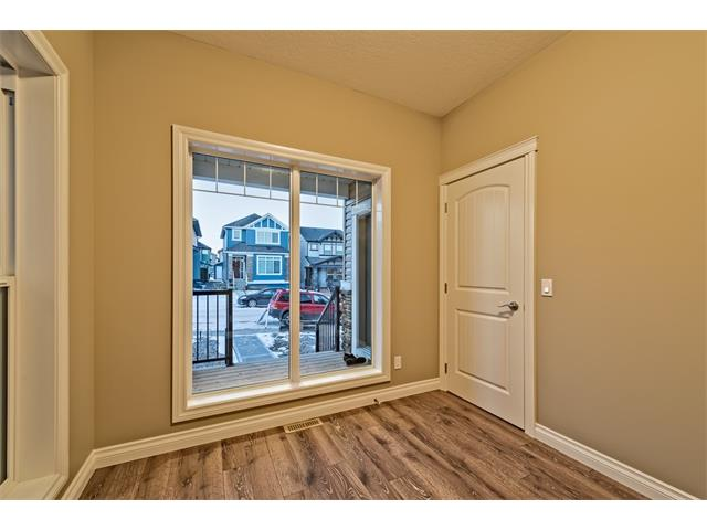 Photo 13: 25 NOLANFIELD Manor NW in Calgary: Nolan Hill House  : MLS(r) # C4041105