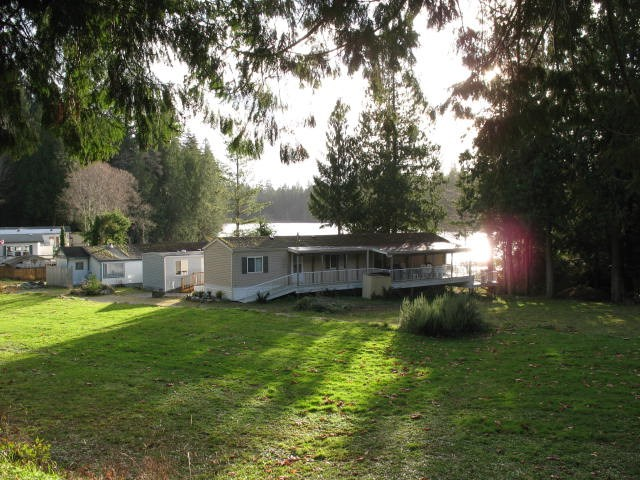 "Photo 11: Photos: 12 12793 MADEIRA PARK Road in Pender Harbour: Pender Harbour Egmont Manufactured Home for sale in ""EDGEWATER"" (Sunshine Coast)  : MLS® # R2019324"