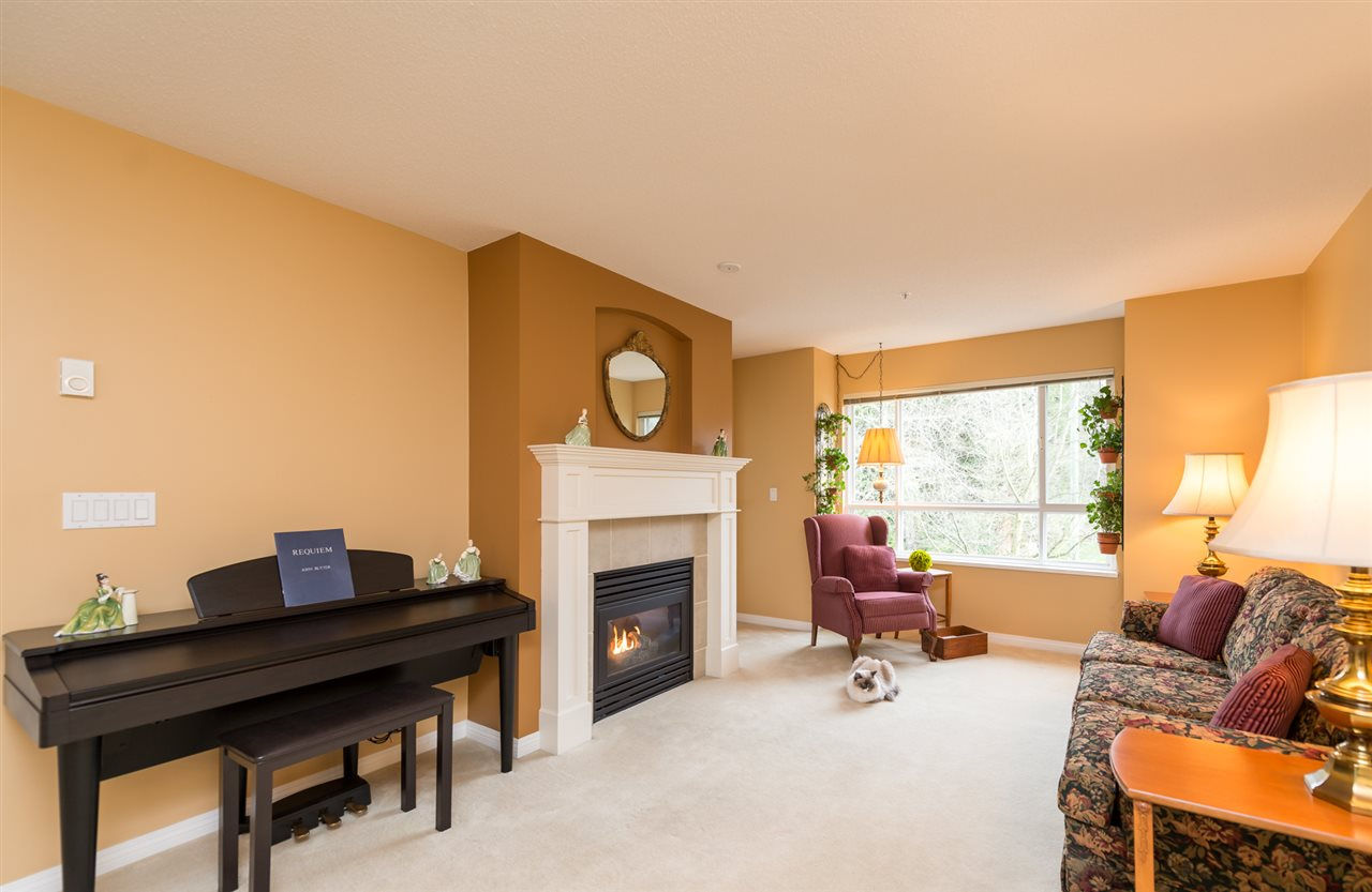 "Photo 4: 316 333 E 1ST Street in North Vancouver: Lower Lonsdale Condo for sale in ""Vista West at Hamersley"" : MLS(r) # R2037589"