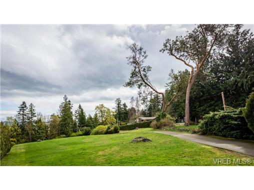 Photo 2: 3094 Island View Road in SAANICHTON: CS Island View Single Family Detached for sale (Central Saanich)  : MLS® # 361857