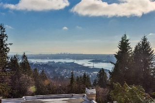 "Main Photo: 2552 WESTHILL Close in West Vancouver: Westhill House for sale in ""WESTHILL VILLA"" : MLS®# R2055281"