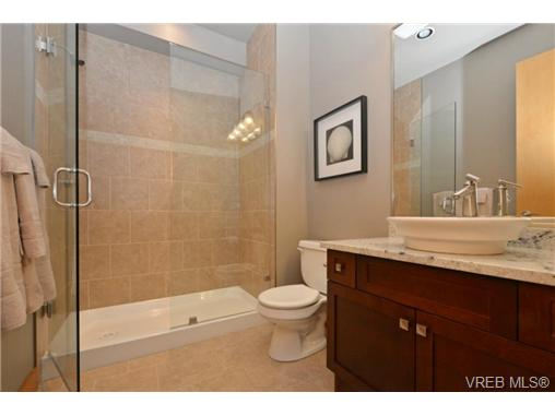 Photo 19: 13 3650 Citadel Place in VICTORIA: Co Latoria Townhouse for sale (Colwood)  : MLS® # 364045