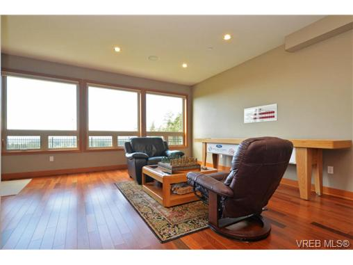 Photo 14: 13 3650 Citadel Place in VICTORIA: Co Latoria Townhouse for sale (Colwood)  : MLS® # 364045