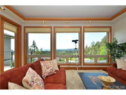 Photo 6: 13 3650 Citadel Place in VICTORIA: Co Latoria Townhouse for sale (Colwood)  : MLS® # 364045